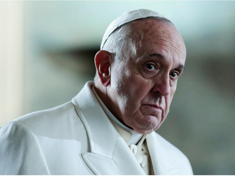 Papa Francesco si dimette