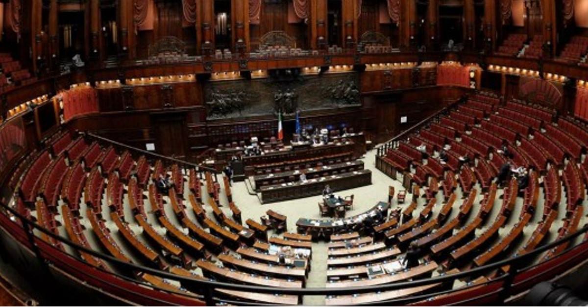 Taglio stipendi parlamentari i deputati non mollano un for Camera dei deputati gruppi parlamentari