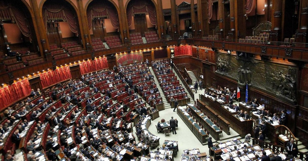 Tempi di dichiarazioni dei redditi per i parlamentari for I parlamentari