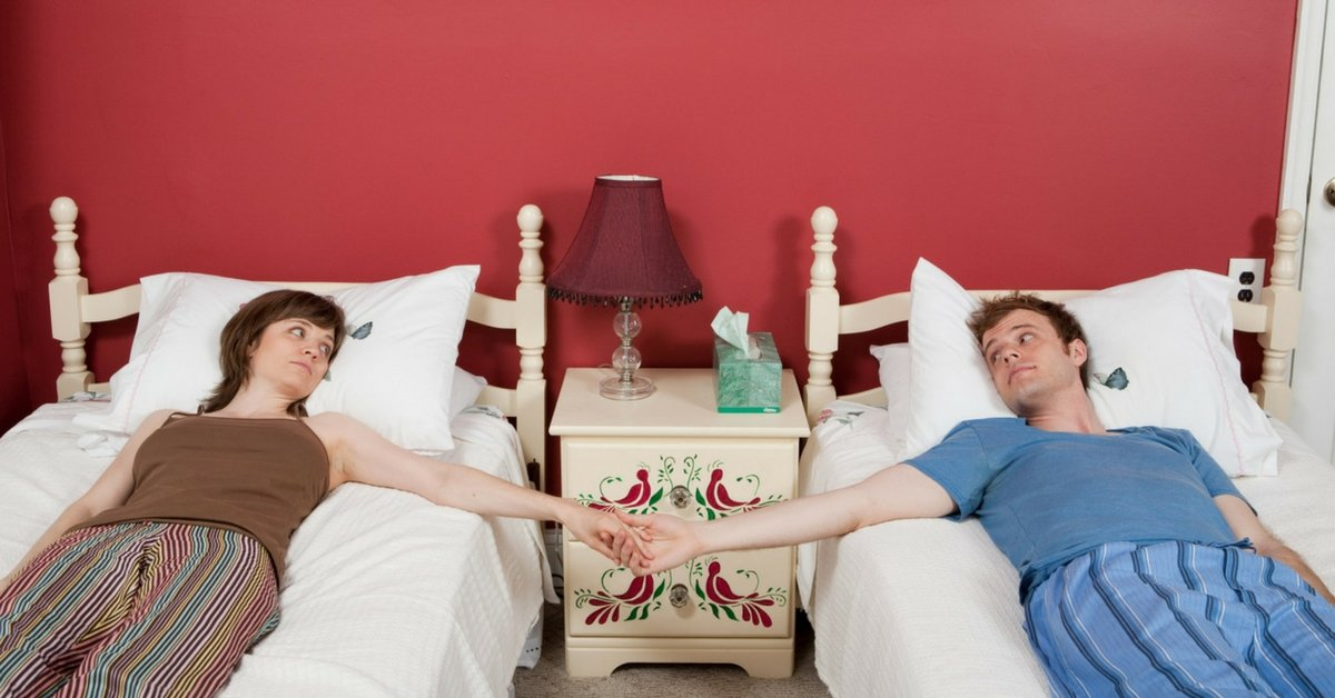 Dormire In Due Letto Singolo.Perche Sempre Piu Coppie Decidono Di Dormire In Letti Separati