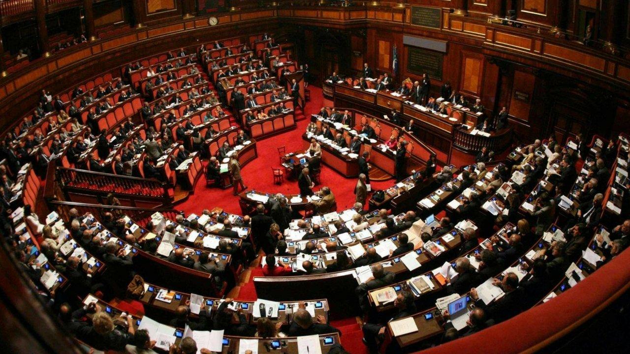 La legge sui vitalizi finisce nell 39 oblio intanto scatta for I parlamentari