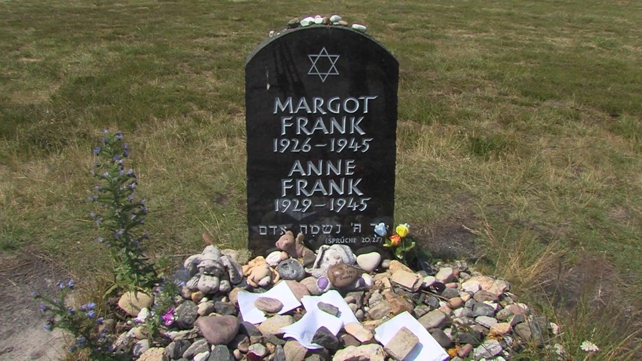 Halloween, ci si traveste da Anna Frank: scoppia il caso