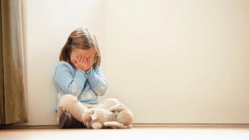 Abusi su minore, immagine di repertorio