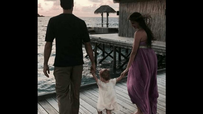 Davide Astori con la figlia Vittoria e la compagna Francesca Fioretti