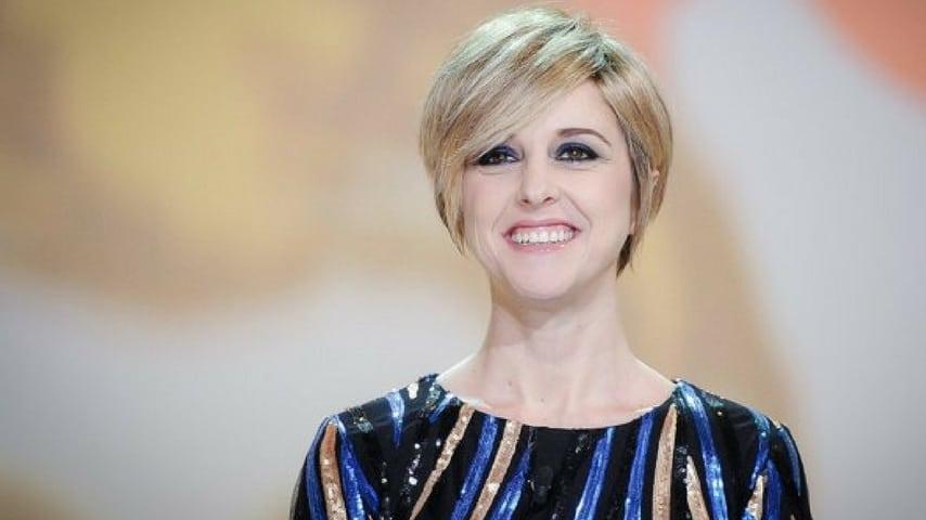 Elena Santarelli chiede agli uetnti di non scrivere cattiverie verso Nadia Toffa