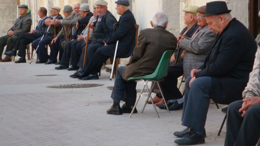 A Frascati gli anziani sono statai allaontanati dal centro sociale per un mese