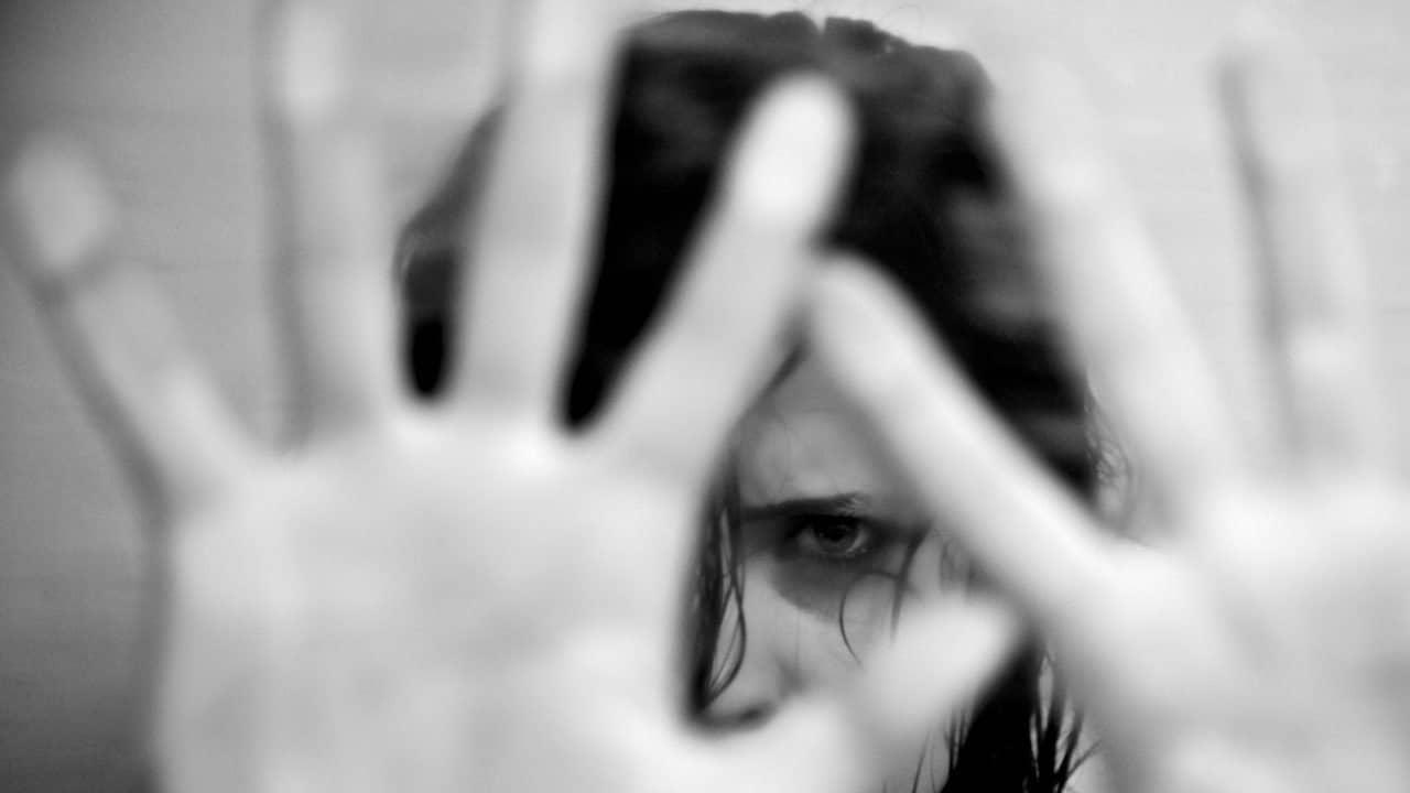 donna abusata