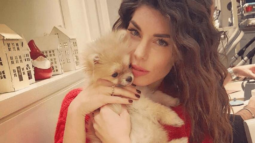 Bianca Atzei e la cagnolina Mela