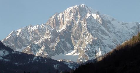 Tre italiani dispersi sul Monte Bianco: di loro nessuna traccia