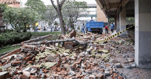 Terremoto in Indonesia: i morti salgono a oltre 90