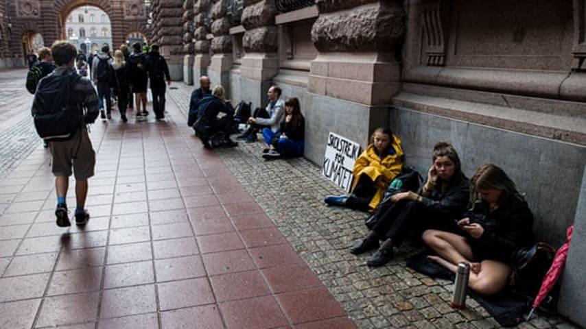 greta sciopero scuola crisi clima parlamento svedese