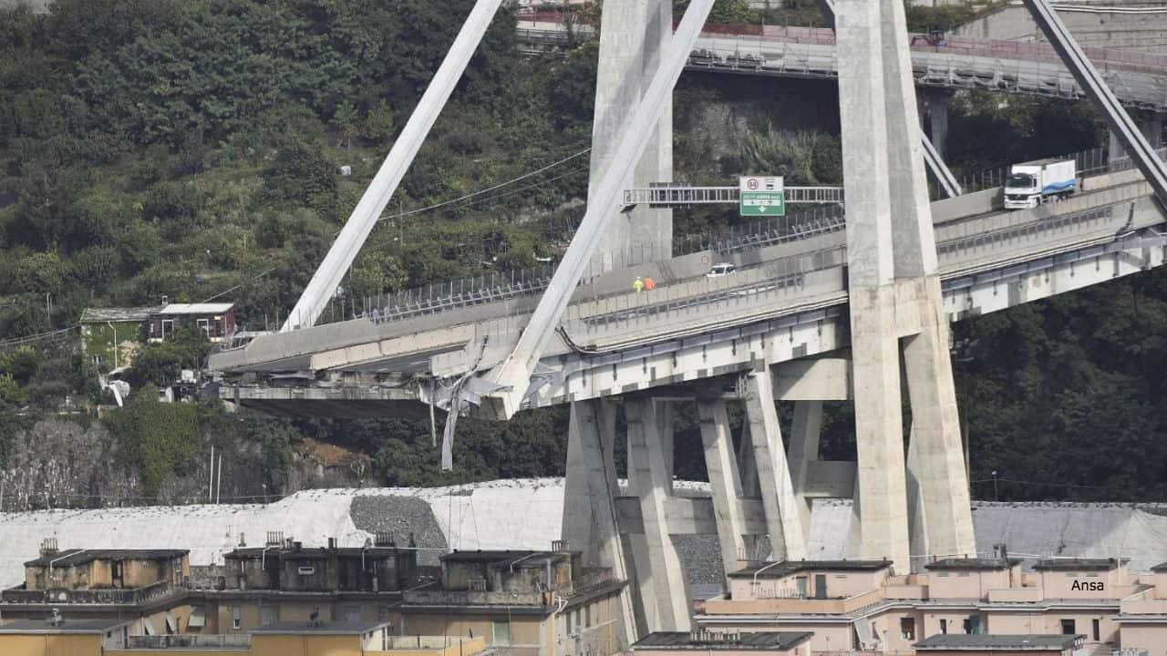 Genova un mese dopo il crollo del ponte Morandi