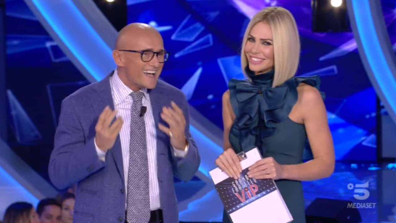 Ilary Blasi risponde a Fabrizio Corona