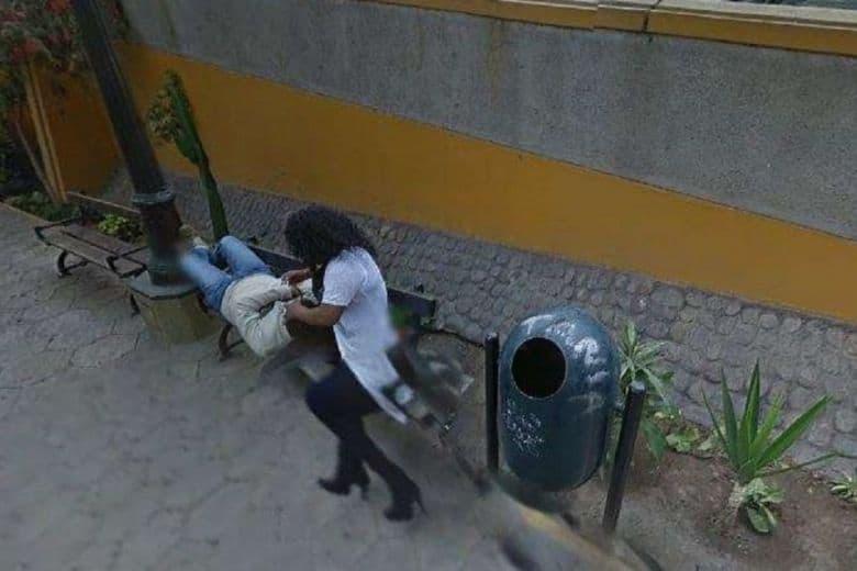 Su Google Maps c'è una sua foto con l'amante: il marito scopre il tradimento e chiede il divorzio