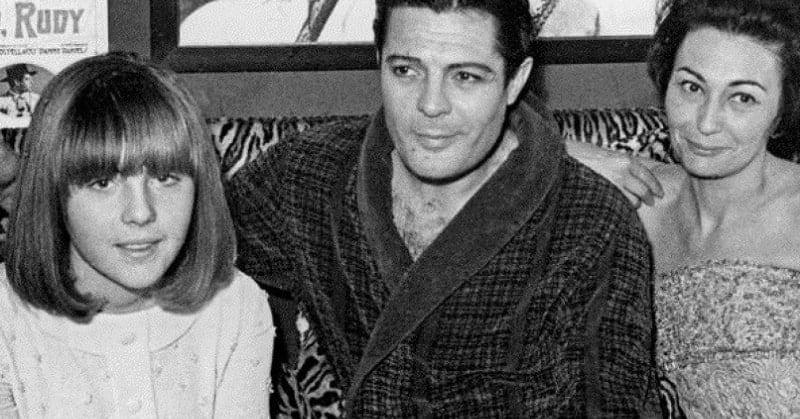 Barbara Mastroianni con il padre Marcello e Flora Carabella. Foto: AGF