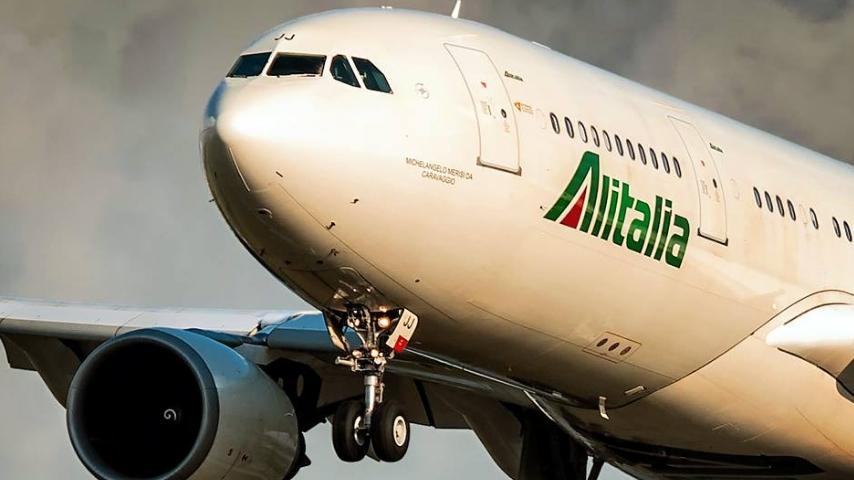 Il volo Alitalia da New York a Roma ha dovuto effettuare un atterraggio d'emergenza. Immagine: Alitalia/Facebook