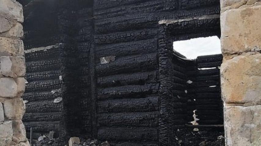 casa bruciata 1