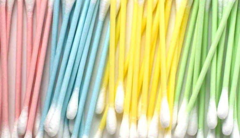 Addio cotton fioc non biodegradabili: da gennaio vietati in Italia