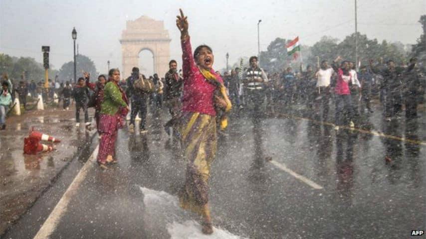 L'India in guerra contro le sue bambine