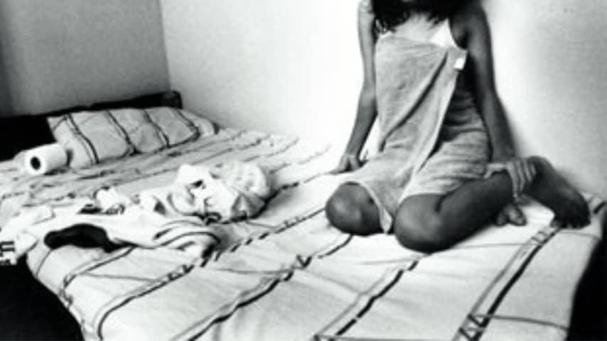 Una 12enne è stata obbligata a prostituirsi dalla madre