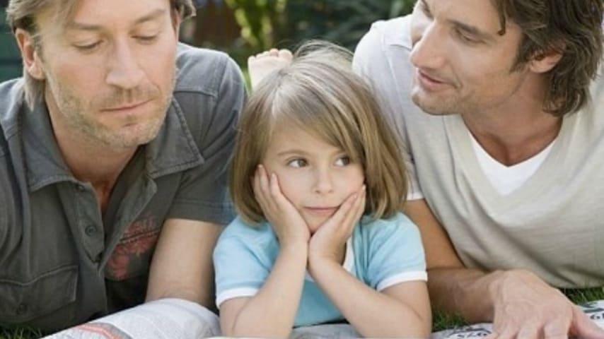 Bambina con due papà