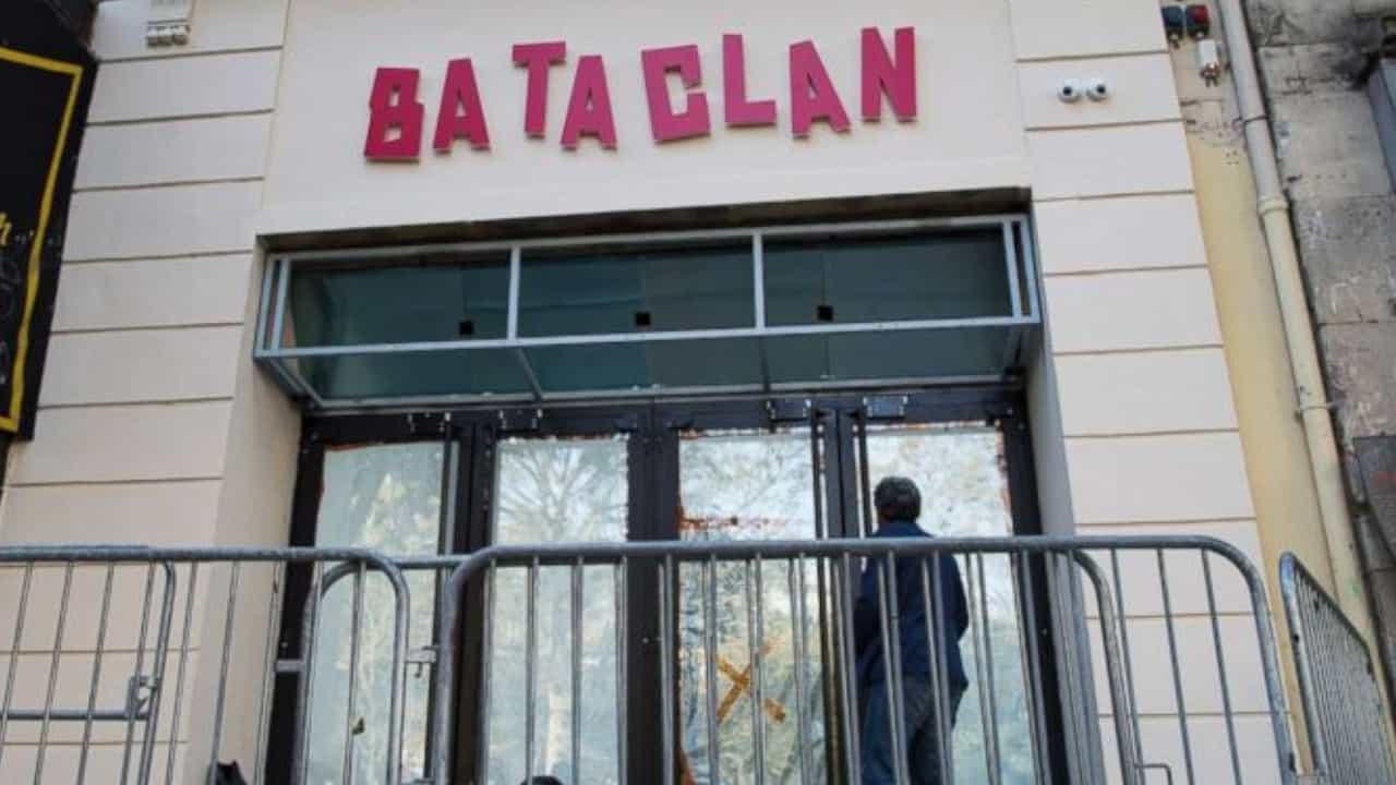 Bataclan rubata opera Banksy
