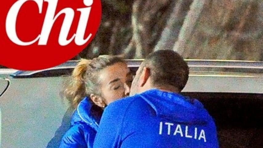 La prima pagina del settimanale Chi del 16 gennaio dedicata al bacio tra Brizzi e Salis