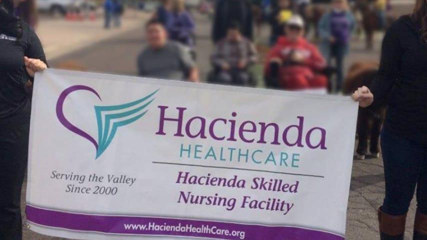 Hacienda HealthCare è l'ospedale di Phoenix nel quale è ricoverata la donna in stato vegetativo. Immagine: Hacienda HealthCare/Facebook