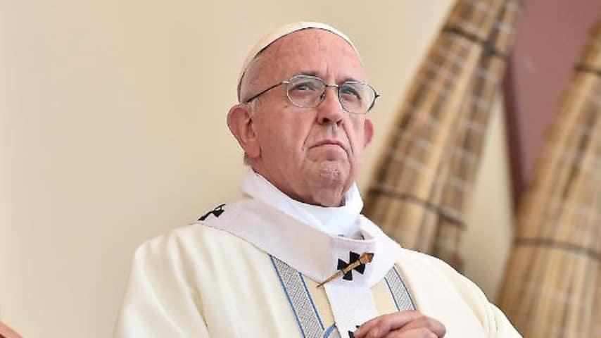 Il Papa si scaglia contro i cirtiani ipocriti