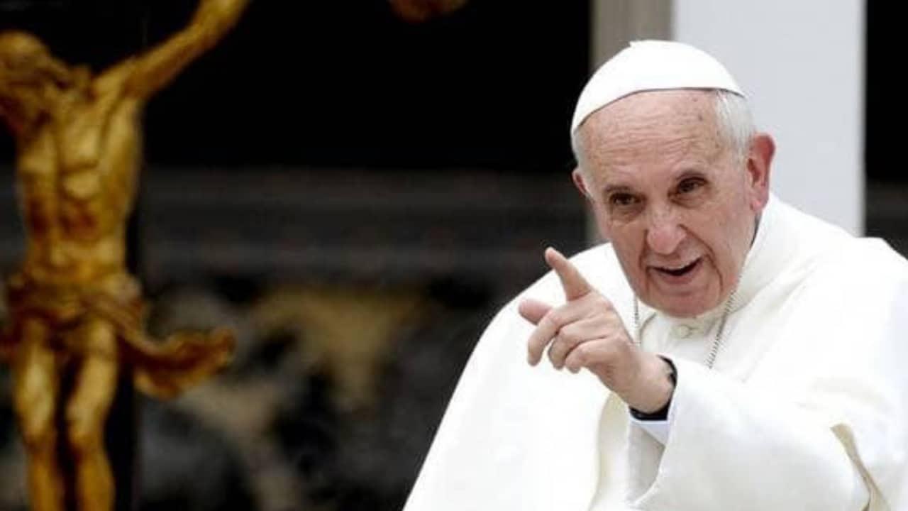 """Papa Francesco: """"C'è bisogno di educazione sessuale nelle scuole"""""""