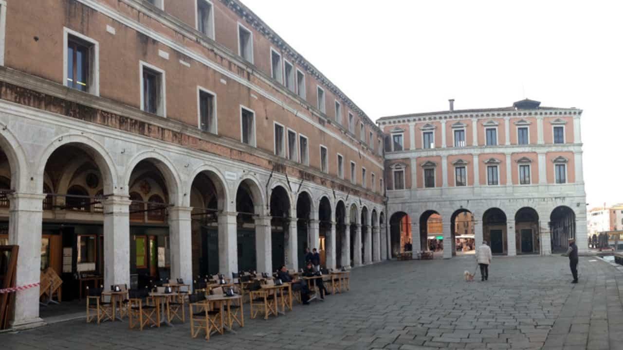 Tribunale di Venezia ha deciso di risarcire i parenti di una donna morta a causa dell'amianto
