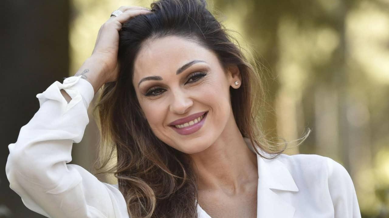 Anna Tatangelo canterà la crisi con Gigi al Festival di Sanremo