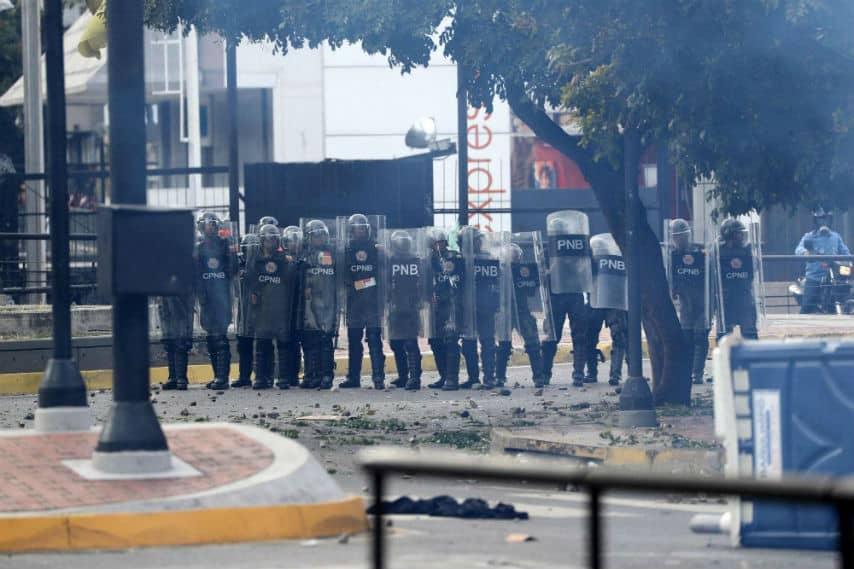 Venezuela, Guaidó si proclama presidente
