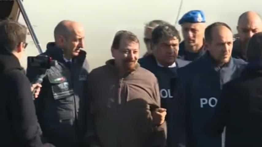 """Cesare Battisti rivela di essersi """"sentito umiliato"""" al suo arrivo in Italia"""