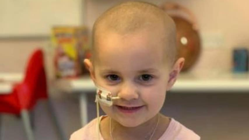 Cayla lotta contro il cancro
