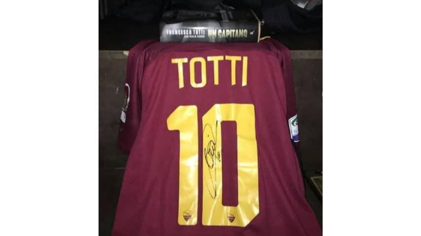 Tragedia di Corinaldo: esce dla coma e incontra Totti