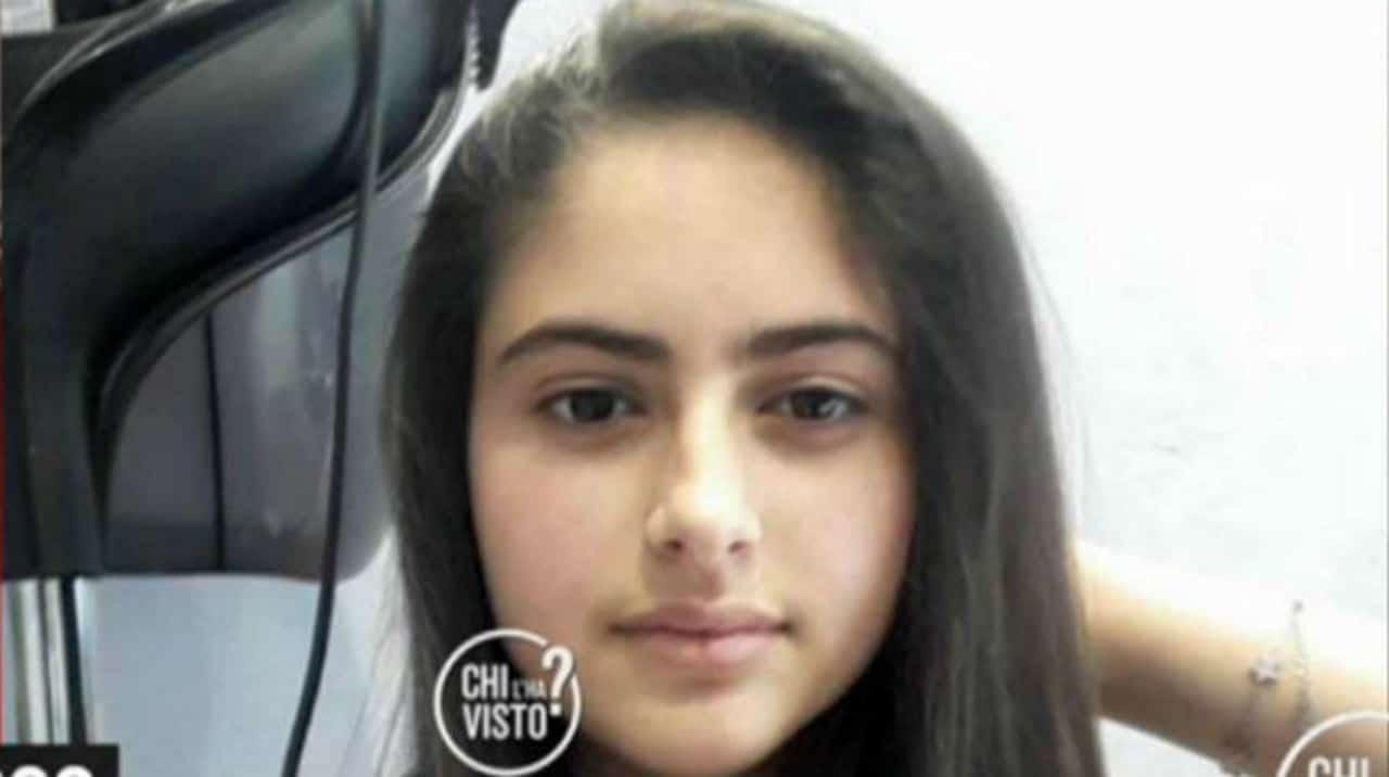 """Elena, scomparsa nel nulla a 14 anni, genitori minacciati: """"Se la cerchi ti uccido"""""""