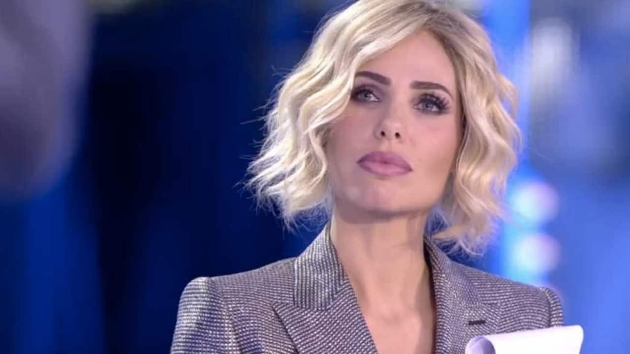 Ilary Blasi e il clima teso con Mediaset: pronta a dire addio all'azienda