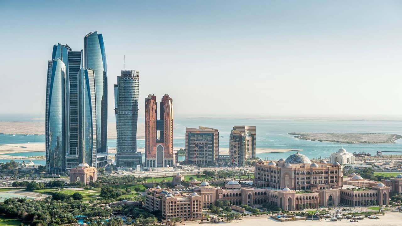 Massimo sacco dtenuto ad Abu Dhabi: l'appello disperato