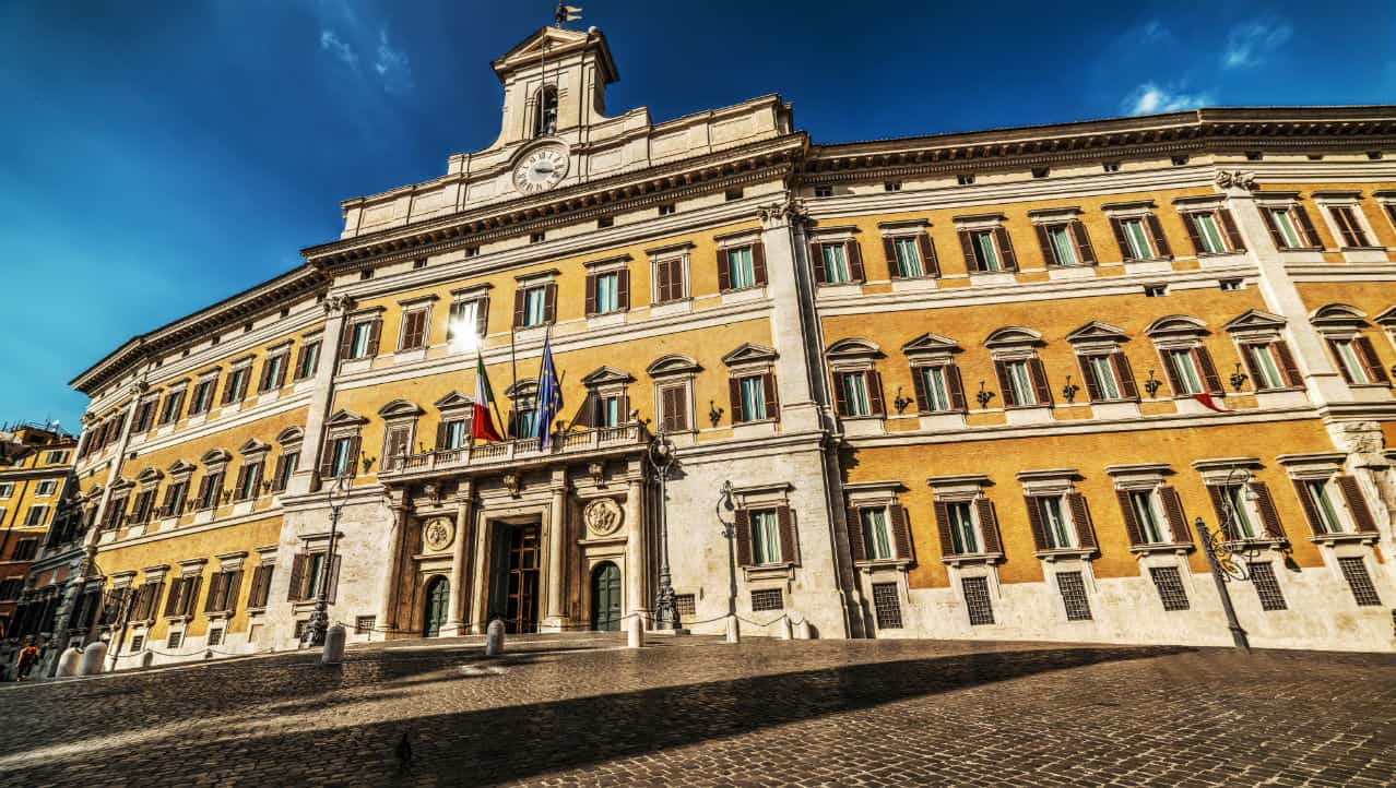 Caos meningite a Montecitorio: serve la profilassi