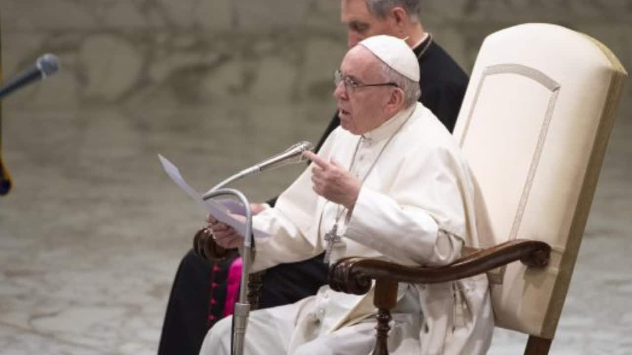 Papa Francesco tuona contro i cristiani