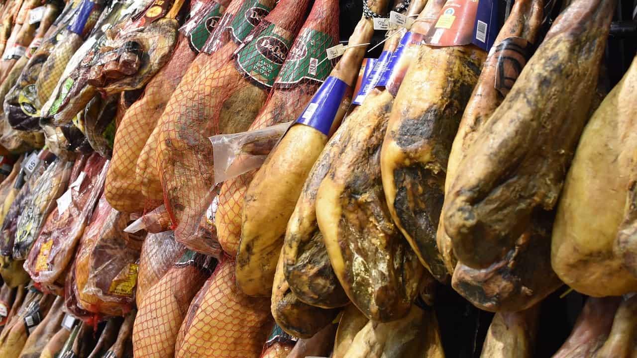 Lo scandalo del prosciutto DOP italiano, prodotti con maiali danesi