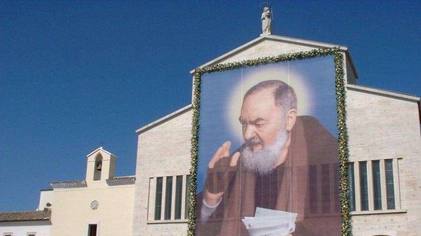 """Dato per morto, si risveglia prima del funerale. """"San Pio mi ha fatto questa grazia"""""""