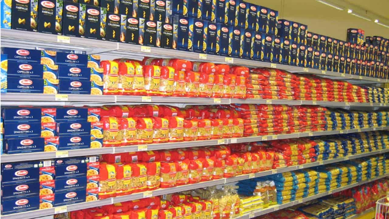 scaffale di pasta