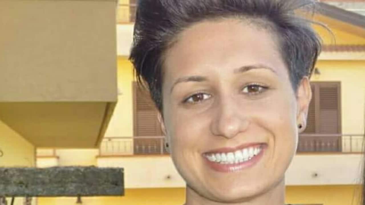Sissy Trovato Mazza addio all'agente di polizia penitenziaria