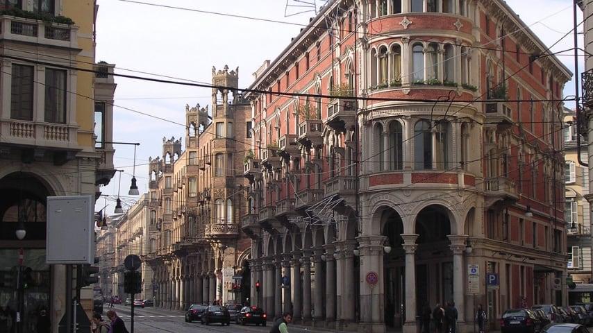 Aggressione con accetta in pieno centro a Torino