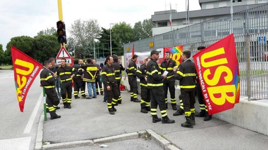 Vigili del fuoco denunciano Matteo Salvini
