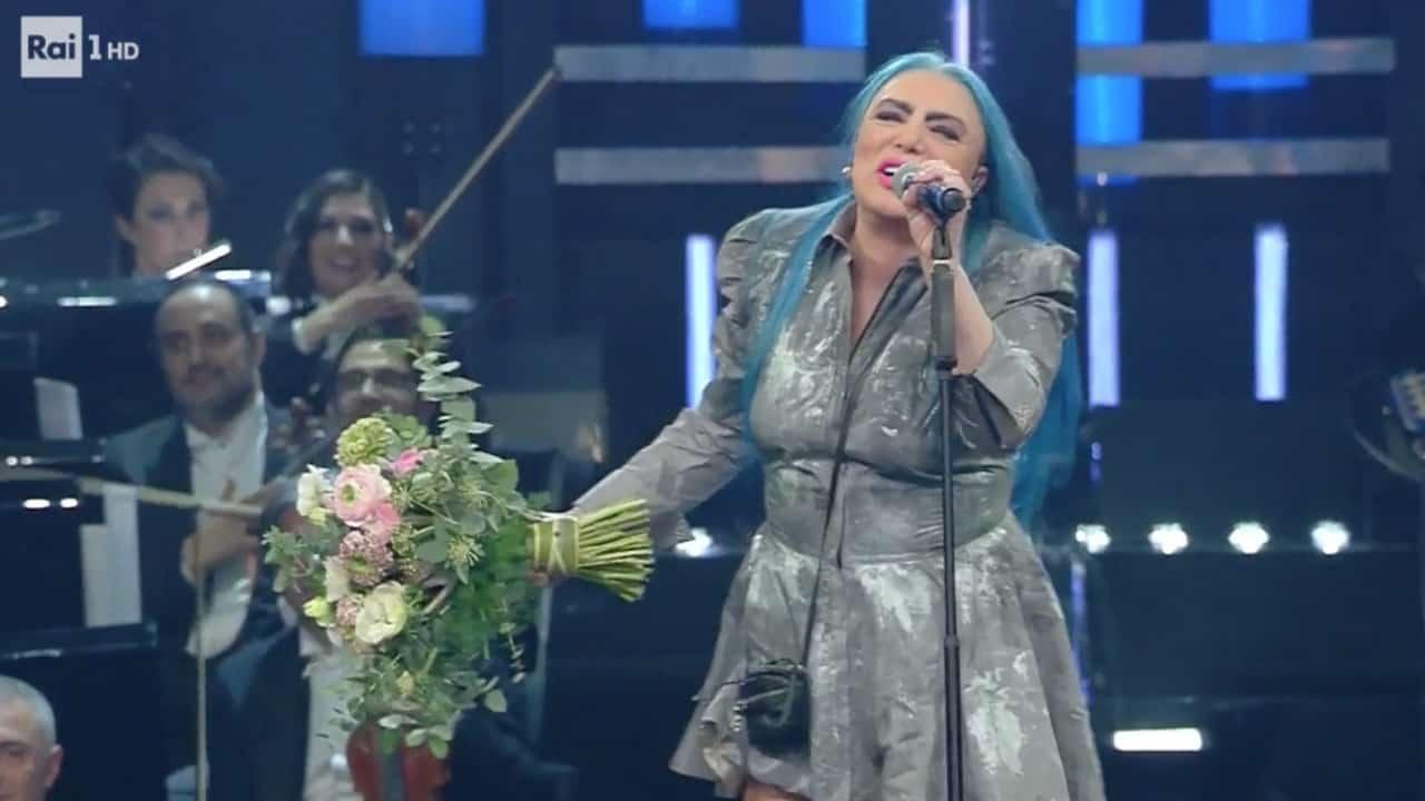 Loredana Bertè infiamma il pubblico di Sanremo, che le tributa una standing ovation