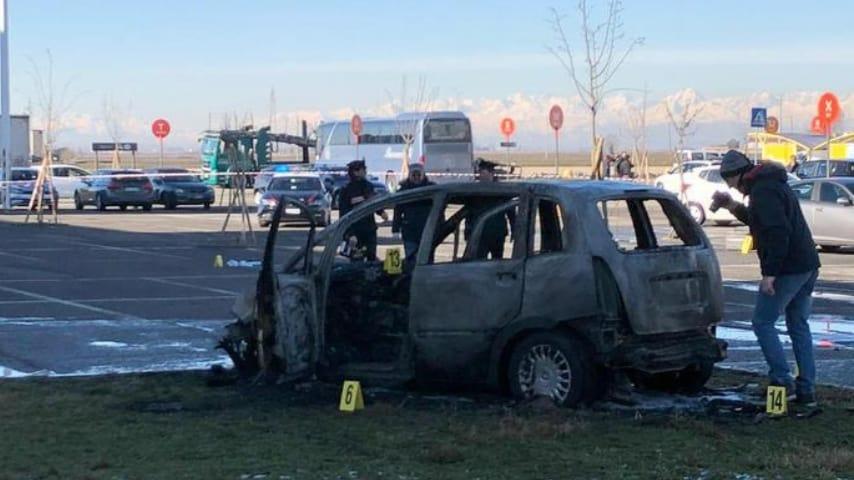 L'auto della vittima. Ansa