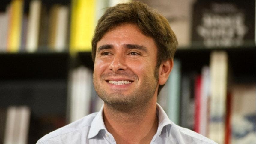 Alessandro Di Battista: tagli ai politici e a Fazio e Vespa